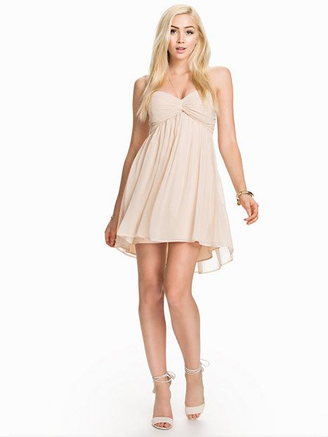 Short Dreamy Dress from Nelly.com
