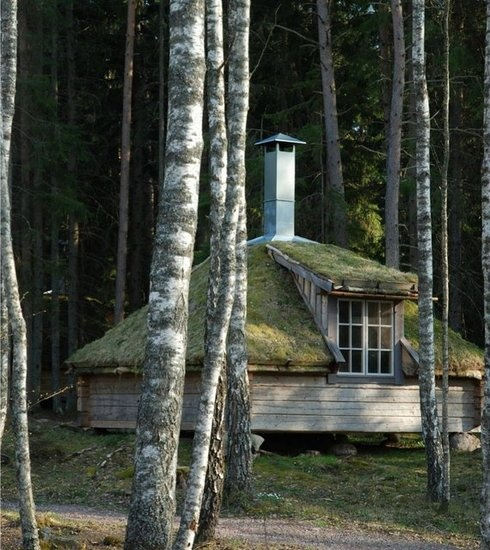 Urnatur    Complete with wood-fired saunas and solar-powered showers, these eco-friendly structures are also completely handmade. Nestled in the Swedish forest, they serve as a magical gateway to the rural beauty of the surrounding lake, wildflower fields, and cliffs.