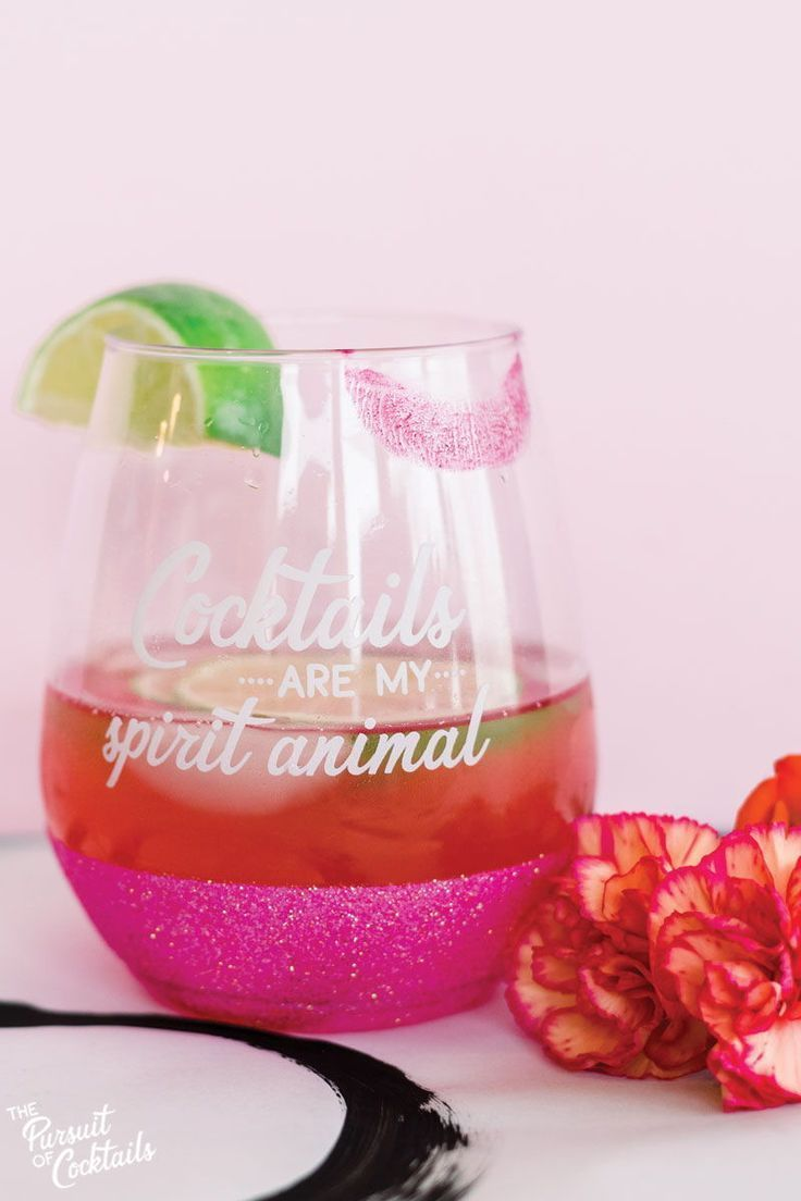 Bachelorette Party Favor Idea Glitter Dipped Cocktail Glasses For All The Girls To Take Home Partyfavor Glitter Dipped Plastic Wine Glass Acrylic Drinkware
