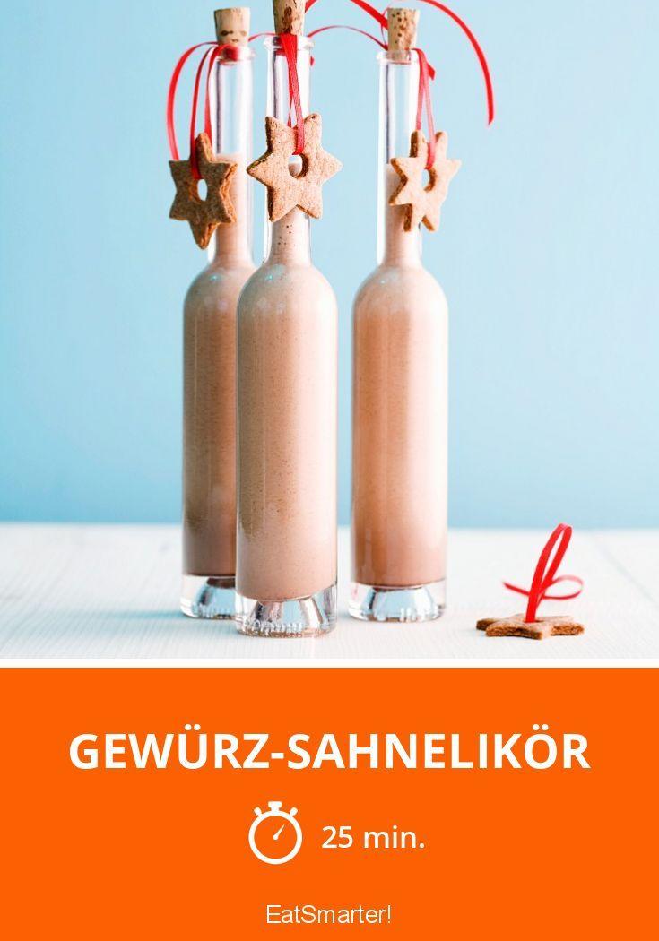 Schmeckt nach Lebkuchen & Spekulatius! Selbst gemachter Sahnelikör. http://eatsmarter.de/rezepte/gewurz-sahnelikor