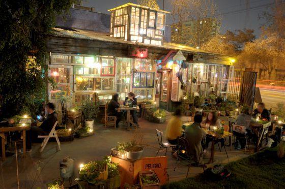 Restaurante La Jardín: Avenida Francisco Bilbao 497, Providencia, Santiago. 0056 02 2230667.