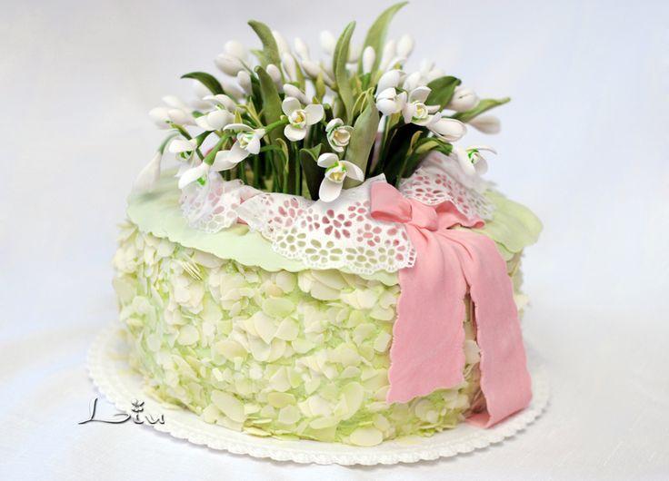 Весенний торт с подснежниками.