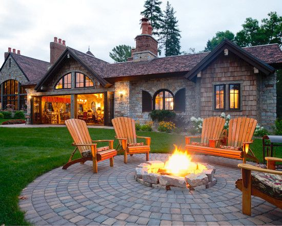 This #backyard is perfect for #entertaining and #bonfire parties with friends!