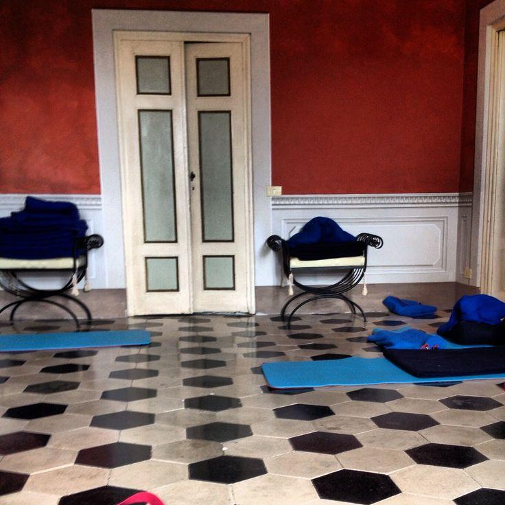 Ah, yes.  Our marbled ballroom turned restorative yoga room. xx Carole