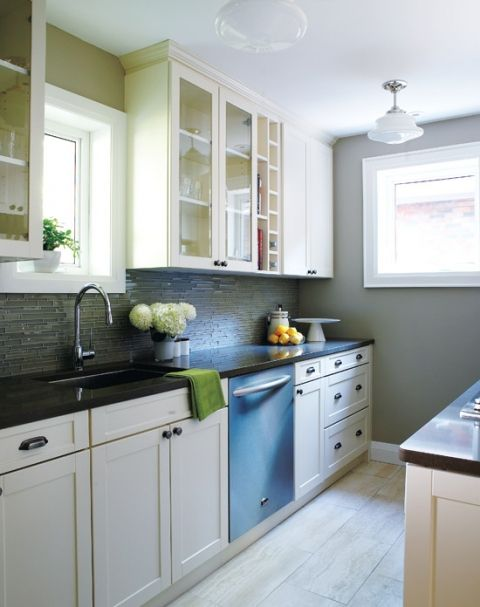 galley kitchen layout via DecorPad