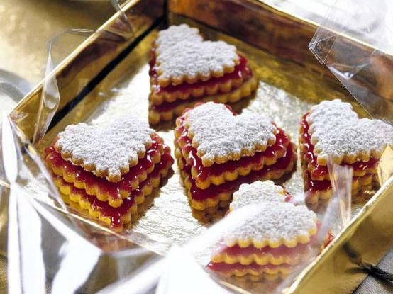 Terrassen - These are the German Christmas cookies I make every year.. not this exact recipe.  copyright: Jalag Syndication