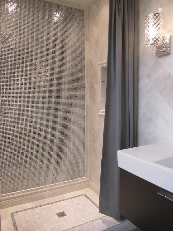 Wow to black/white/bling in the shower!