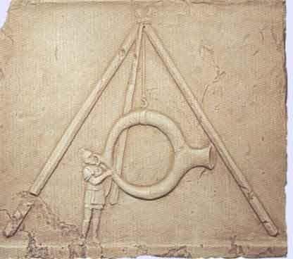 trompette stentorphonique. D'origine thrace, Stentor, dont le nom propre provenait des verbes grecs « gémir bruyamment » et « mugir », était le crieur officiel des armées grecques lors de la guerre de Troie