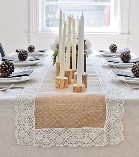 Este caminho de mesa rústico pode dar um charme a mais em qualquer decoração.
