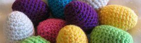 Ingen påsk utan ägg! Här kommer en enkel beskrivning till virkade påskägg. Virkade ägg Mönster: Varv 1: 5 fm i en magisk ring Varv 2: 2 fm i varje (10) Varv 3: 1 fm, 2 i nästa, varvet ut (15) Varv ...