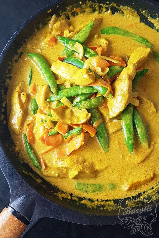 Kurczak W Sosie Curry Prosty I Aromatyczny Przepis Na Kurczaka Recipe Indian Food Recipes Cooking Recipes Workout Food