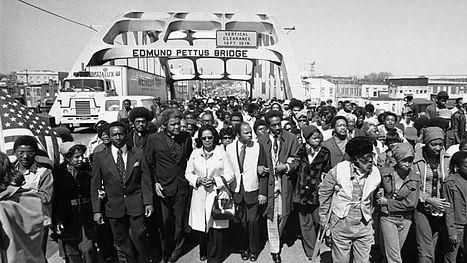"""En 1963 Martin Luther King pronunció un discurso, """"I have a dream"""" que cambió la historia. Precedida y seguida de otras actuaciones como la maarcha de Selma a Montgomery años más tarde, fue persona clave en la lucha contra la segregación racial en Estados Unidos."""
