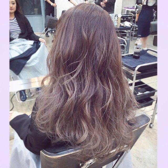 この画像は「髪の毛傷めずに外国人風カラー?ハイライトでつくる透明感たっぷりヘア」のまとめの4枚目の画像です。