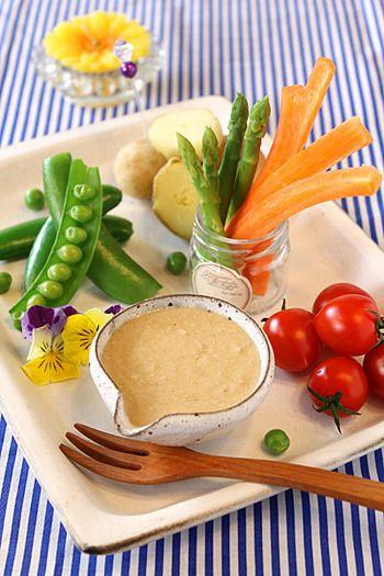 こちらもヘルシー!味噌&ヨーグルトで春野菜にぴったりなバーニャカウダはいかがでしょう…