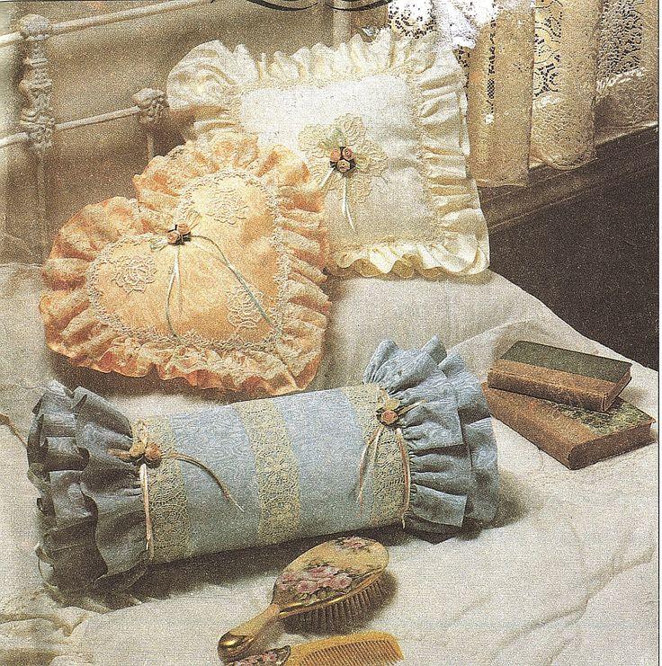 Victorian Era Pillows : 17 Best ideas about Victorian Decorative Pillows on Pinterest Victorian decor, Victorian ...
