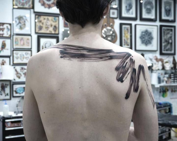 Minimalist Tattoos Mimic the Graceful Fluidity of Brush Strokes - My Modern Met