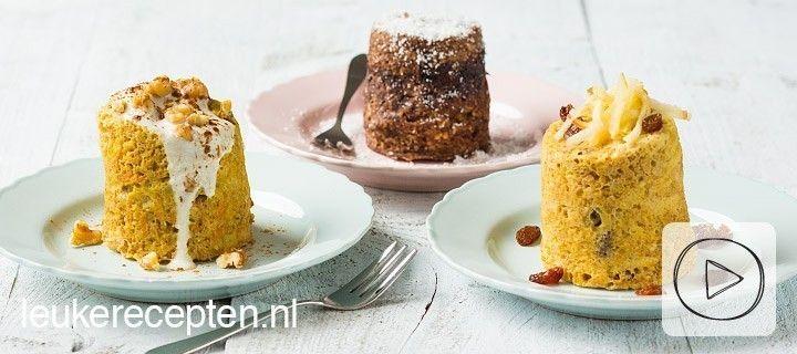 ONTBIJT – 10 MINUTEN – 1 PERSOON * Met deze gezonde appel, choco of carrot mug cake is ontbijten een feestje! Ingredienten appel mug cake 1 ei 3 eetlepels havermout ½ banaan kneepje honing snuf kaneel ¼ tot ½ appel, fijn geraspt 1 eetlepel rozijnen  Bereiding Klop het ei los in de mok. Prak …