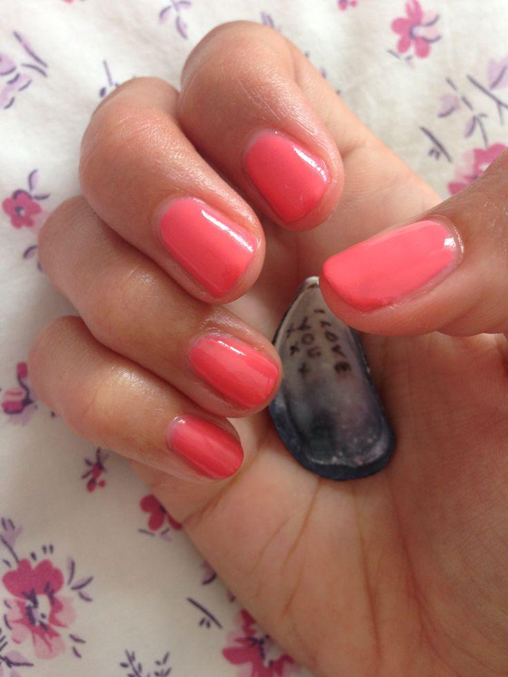 Summer nails- Gellux ocean coral