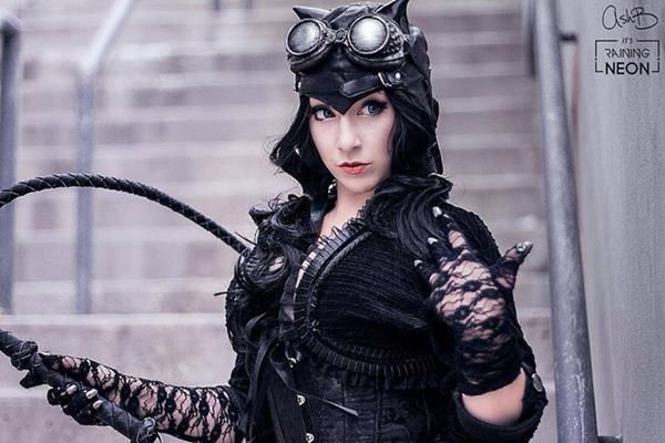 Steampunk Catwoman Is Sexy Without The Skintight Suit - Fashionably Geek