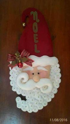 Em feltro e muito capricho, Noel dá as boas vindas aos nossos visitantes. Não consegui os moldes em tamanho natural, mas hábeis do jeito qu...