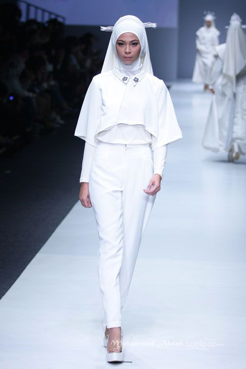 Zaskia Sungkar 'Dynamic Bliss' for Wardah. Jakarta Fashion Week 2016 at Senayan City.