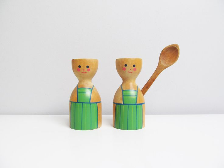 Vintage mid century retro scandinavian wood egg cup holder, Sweden Swedish, wood turned handpainted chef apron, 1 wood spoon, his and her by EbyVintage on Etsy https://www.etsy.com/listing/451921670/vintage-mid-century-retro-scandinavian