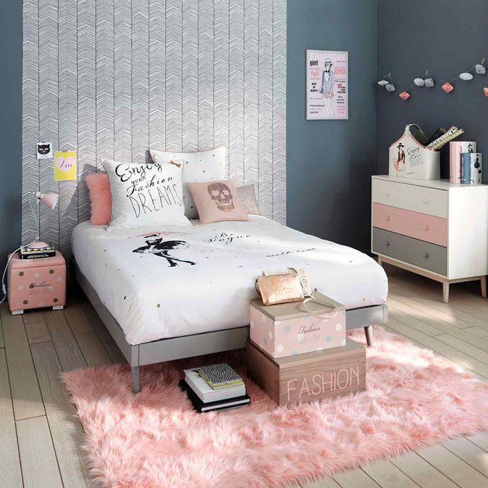 Chambre ado rose pastel http://www.m-habitat.fr/par-pieces/chambre/deco-pour-une-chambre-de-fille-2732_A #rose #fille #chambre