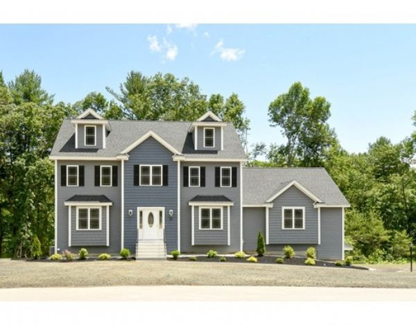 Single Family 794 900 Price 8 Rooms 4 Beds 2 1 Full Half Baths Welcome To Sumner Farms Billerica S Prem Local Builders Building A House New Construction