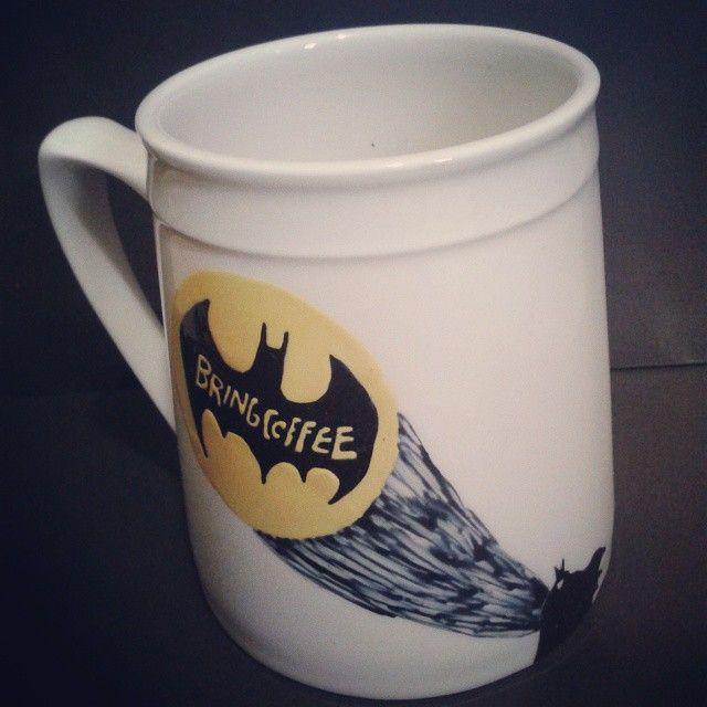 Batman Mug / Bring Coffee https://instagram.com/p/3O8lYFidyI/?taken-by=de.luto