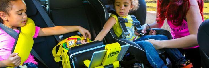 BubbleBum Junkie recensie review auto opbergsysteem opberger kinderen achterbank autostoeltjes uitneembare tas koeltas gordel vastzetten boeken spullen tablethouder tafeltje bekerhouders spullen inklappen ongeluk gordel