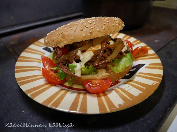 Kääpiölinnan köökissä: Speak to the beef! - hampurilaiset ylikypsästä naudasta