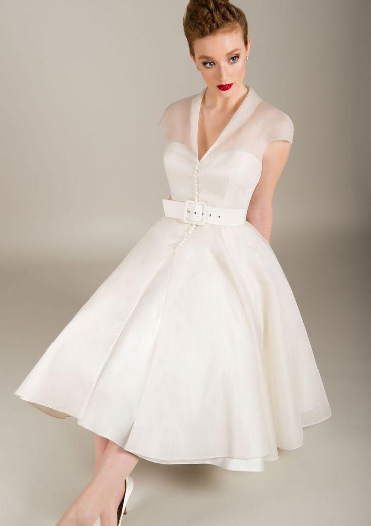 Robe De Mariee Longue En Organza Et En Satin Longue Mariee Organza Satin Retro Wedding Dresses Wedding Dress Organza Tea Length Wedding Dress