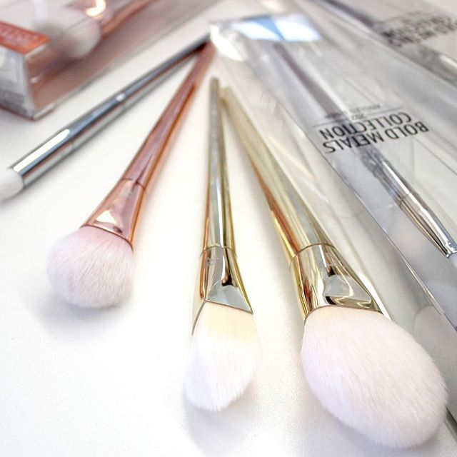 So wunderschön ❤❤❤ Die Real Techniques Bold Metals Pinsel #realtechniques #boldmetals #brushes #makeupbrushes