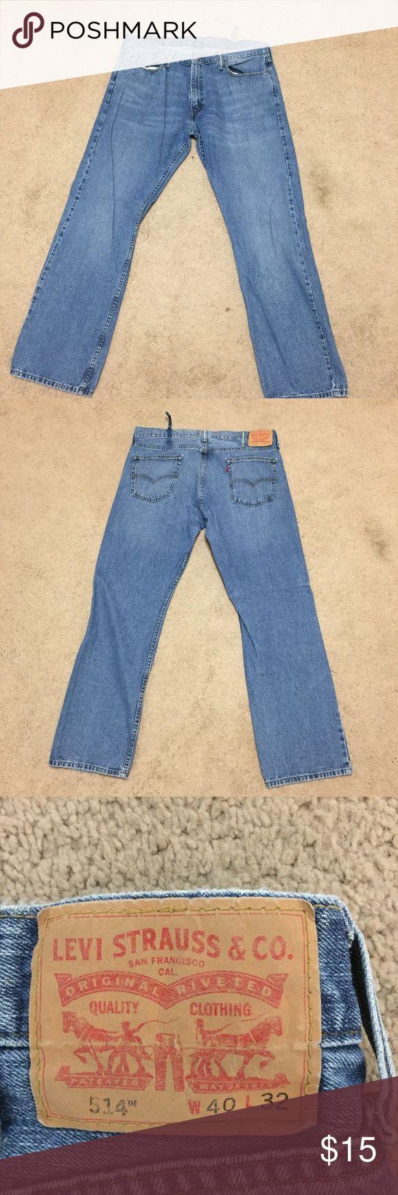 Men's Levi Jeans Men's Levi jeans. One torn belt loop. Smoke free home. Size 40x32 Jeans Bootcut