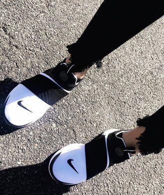 $80 Black And White Styled Outfit Black And White Striped Nike Slip On Comfy Sneakers With Black Frayed Ripped Denim Skinny Jeans