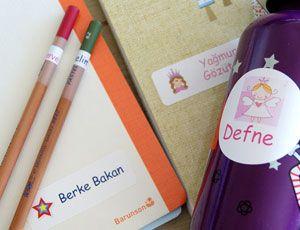 Okul zamanı yaklaşıyor, isim etiketleri ile çocuğunuzun eşyaları karışmasın, kaybolmasın :)