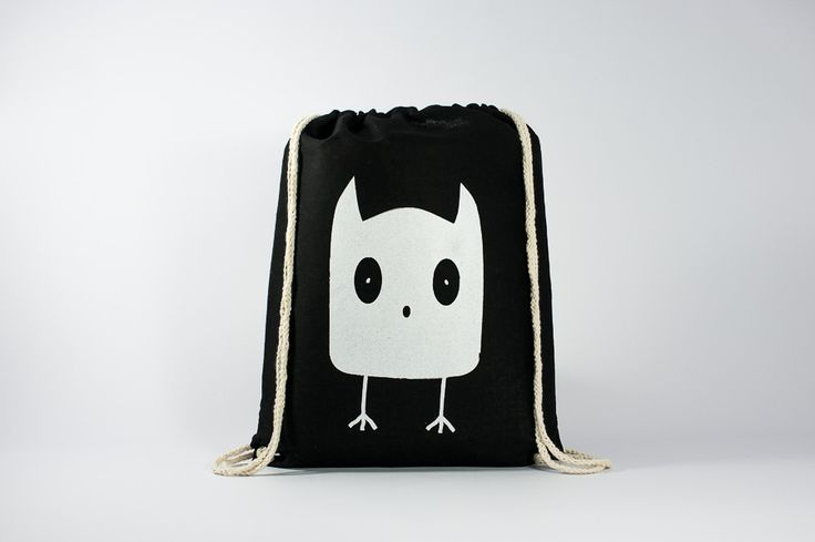 The OWL - Original Illustration printed on a black gymsack - Find it here: http://www.officineberlinesi.com/shop/classic-gymsacks/owl-gymsack-black/ #backpack #bag #canvasbag #canvastote #beutel #sac #rucksack #mochila #handmade #sacfourre-tout #screenprinting #taschen  #berlin #funny #beers #illustration