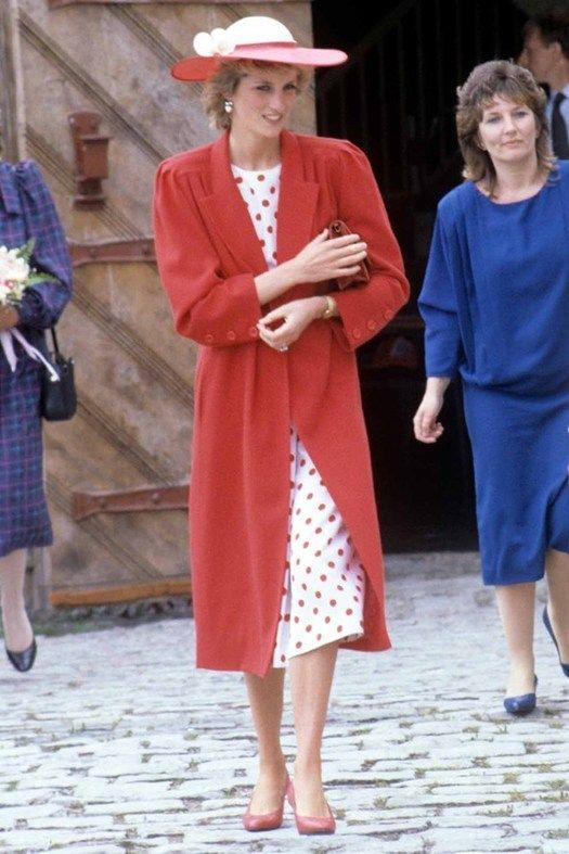 Принцесса Диана все еще не равнодушна к платьям в горошек. Уэльс, 1985 г.