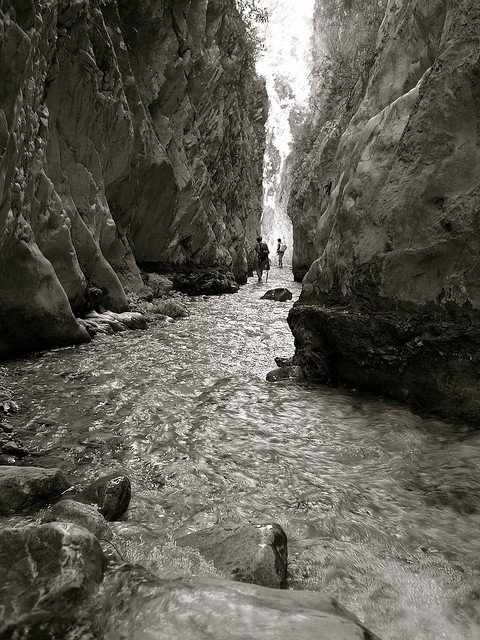 Rio Chillar, this amazing place in Nerja, Malaga. Photot by David Gillet found on flikr. Beautiful!