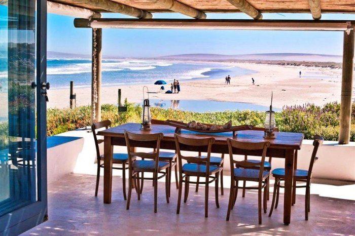 The Beach Hut - Paternoster (Weskus). Dink net hoe lekker sal dit wees om jou ontbyt hier te kan geniet!