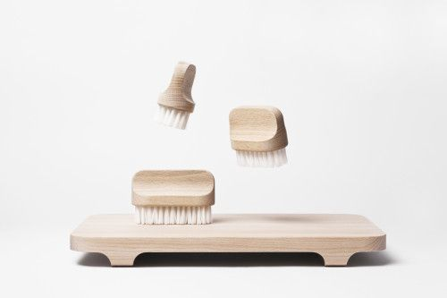 Canot is a minimalist design created by France-based designer Andrée Jardin. With a sleek design, the series of brushes, Canot, can be used ...