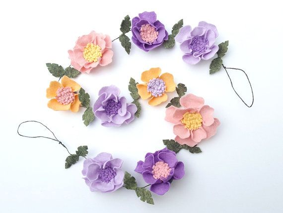 This listing is for the mixed felt flower garland, made of lavender, peach, yellow and pink wool blend felt.