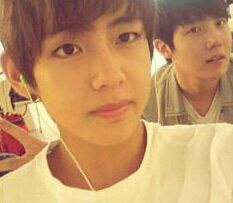 V and JHOPE predebut :)