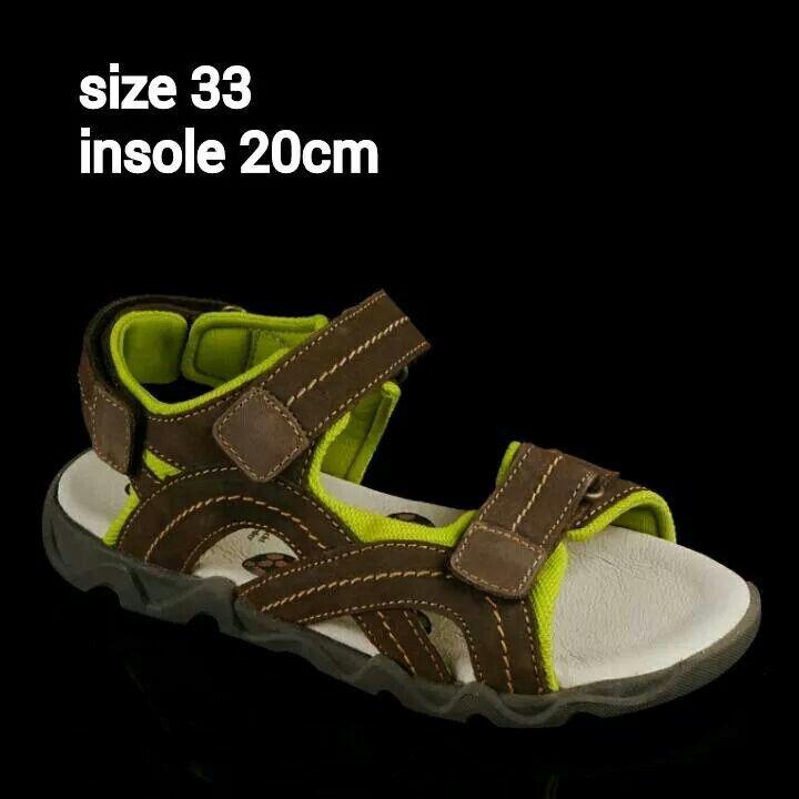READY STOCK KIDS LEATHER SANDAL KODE : COOPER BROWN Size 33 PRICE : Rp.225.000 AVAILABLE SIZE : - Size 33 (insole 20cm)  MATERIAL : Genuine Leather (Kulit Asli), Sol Empuk. Sesuai untuk anak-anak :)   FOR ORDER : SMS/Whatsapp 087777111986 PIN BB 766a6420 Facebook : Mayorishop  #pusatsepatubootsanak #sandalanak #sandalkulitanak #sandalsantai #sandalgunung #sandalnyaman #casualshoes #kulitasli #genuineleather #sisaekspor #brandedshoes #germanbrandedshoes #europeanbrand #originalbrand…