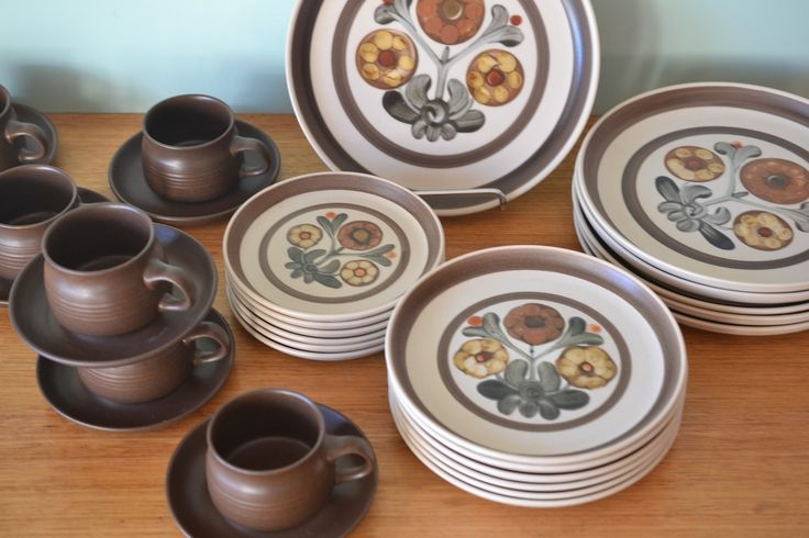 Vintage set for 6 Denby Langley Mayflower Cups, Saucers Dinner Plates England - Funky Flamingo
