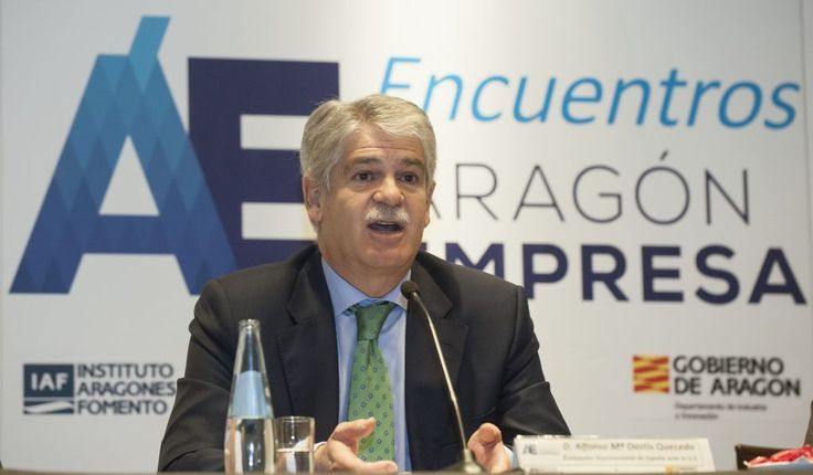 Spanish foreign minister Alfonso Dastis says co-sovereignty would be 'deeply beneficial' for Gibraltarians :http://www.gibraltarolivepress.com/2017/01/09/spanish-foreign-minister-alfonso-dastis-says-co-sovereignty-would-be-deeply-beneficial-for-gibraltarians/