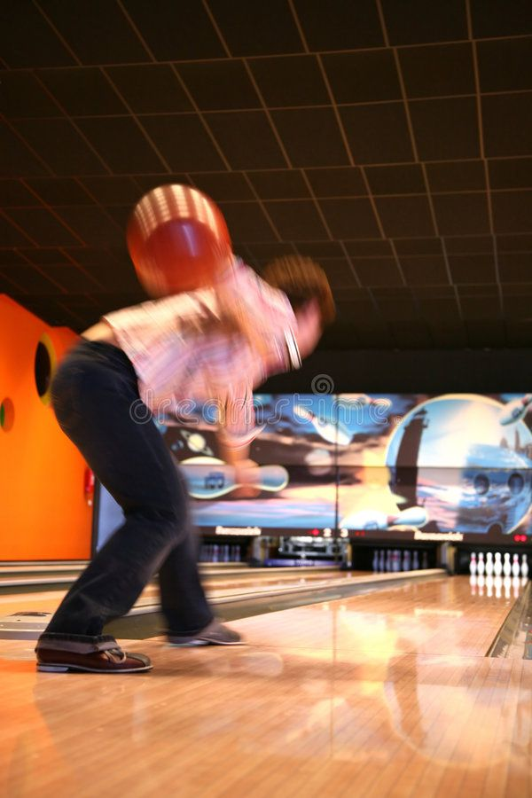 Tenpin Bowling Bowling Sport Player In Action Motion And Movement Ad Sport Bowling Tenpin Player Move Ball Exercises Motion