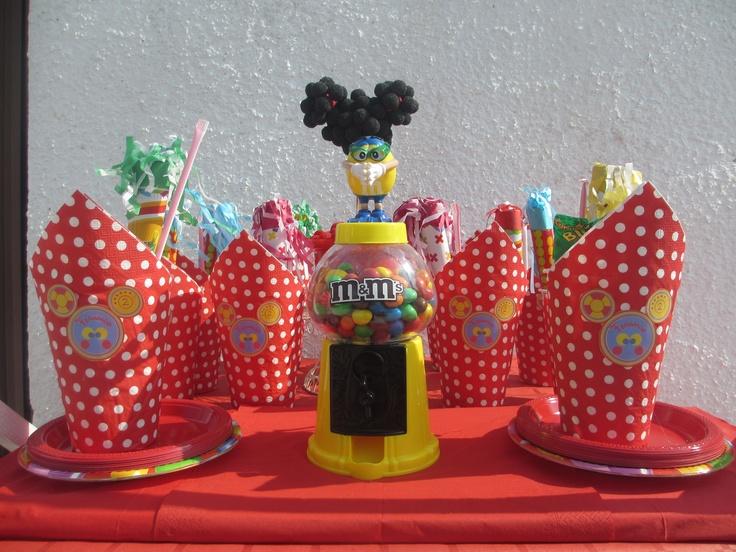 Vasos de chuches en la fiesta Mickey