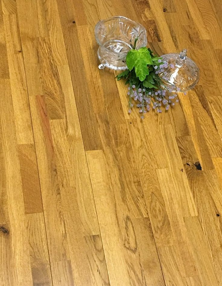 "Tawny Oak 5/8in Thick X 5 Wide X Random Length Solid Hardwood Flooring (12.92 sq. ft. / box) / Oak / 5"" / Finished"
