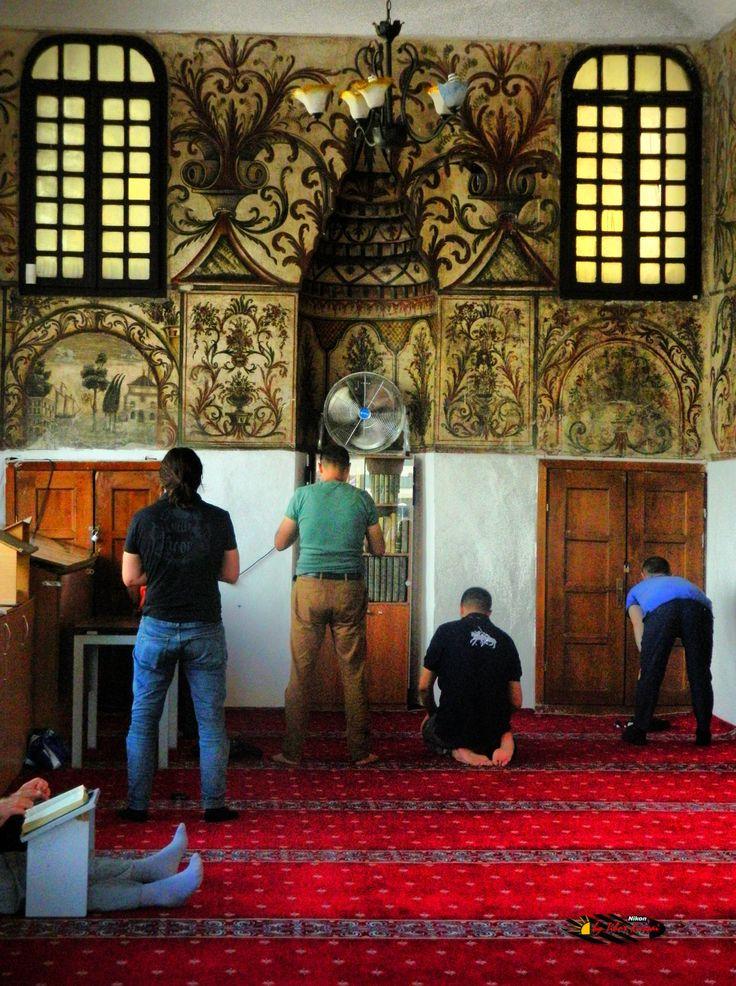 Xhamia e Et'hem Beut Moschee-Leseraum,Tirana,Albania, Nikon Coolpix L310, 12.6mm, 1/320s, ISO400, f/4, -1.3ev, HDR photography, 201607061409